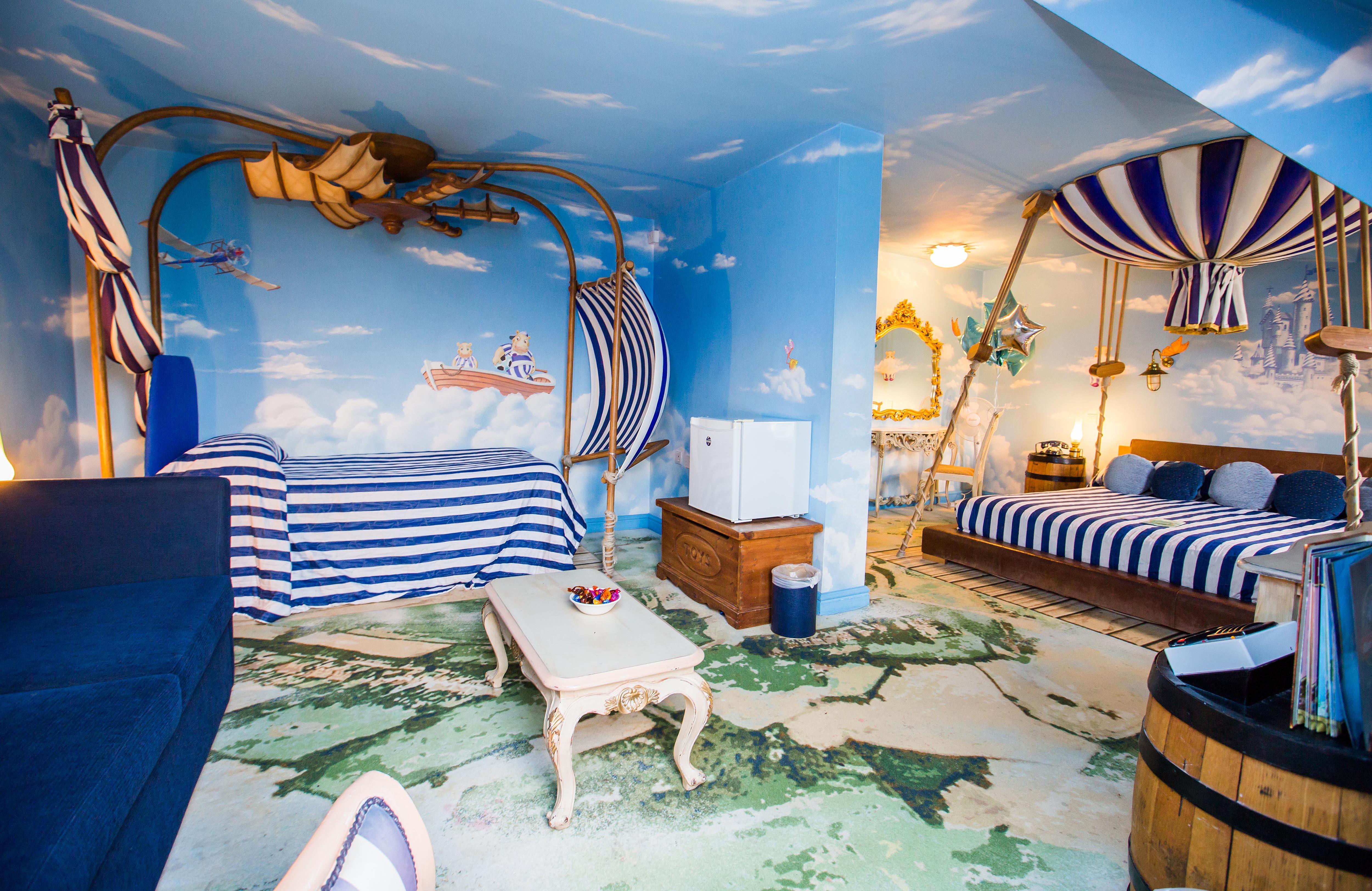 Big Pyjama Room TowersTimes : BigPyjamaRoom from www.towerstimes.co.uk size 5000 x 3248 jpeg 1932kB