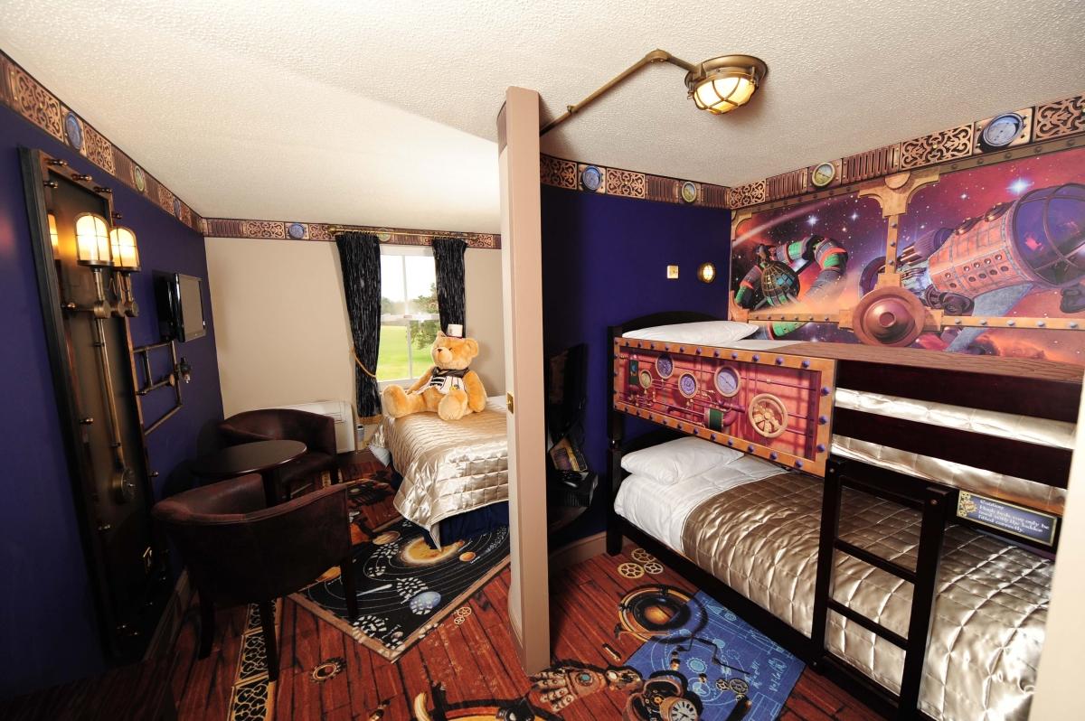 Rooms: Moon Voyage Rooms